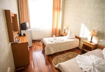 room-aipetri-lux2